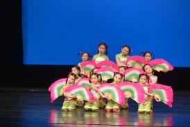 參加校際舞蹈比賽